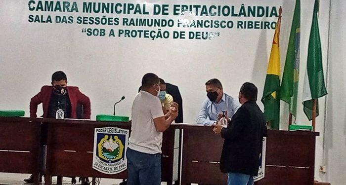 Em Sessão Extraordinária, vereadores aprovam três projetos do executivo de Epitaciolândia